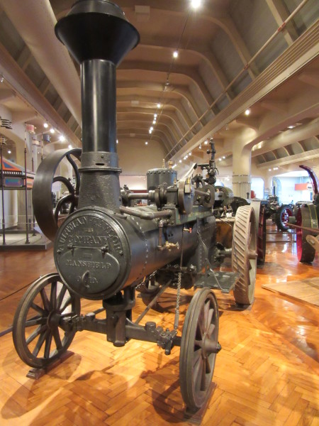 Early steam tractor ©WagonPilot