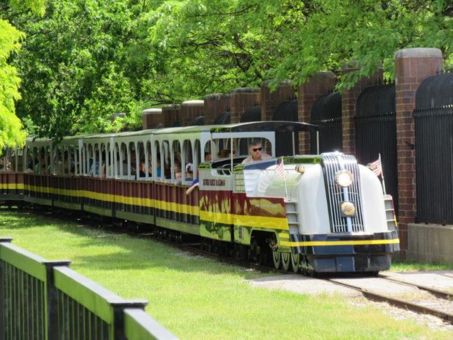 Detroit Zoo train ©WagonPilot