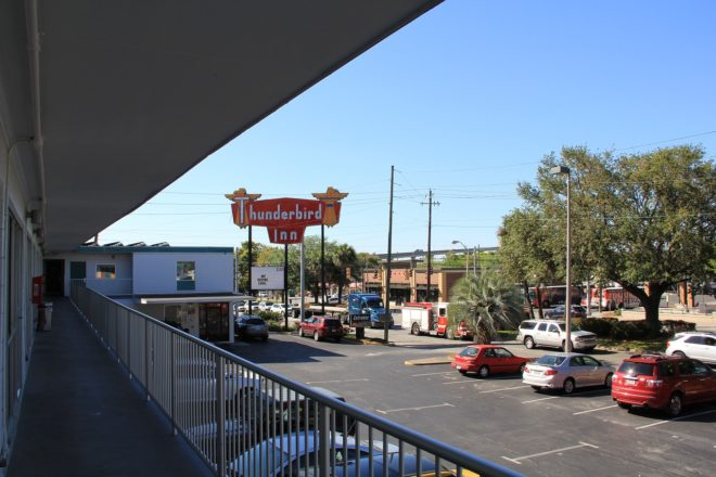 Thunderbird Inn Savannah ©Rich Christensen