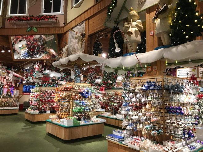 Bronners Christmas Wonderland credit Yelp